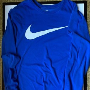 Nike Men's Long-Sleeved Shirt Size Small
